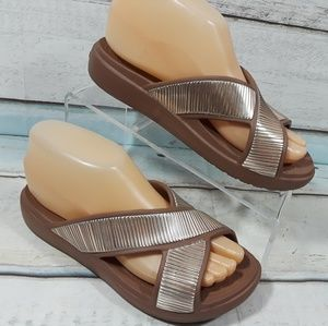 Crocs Iconic Comfort Silver Brown Sandals 6